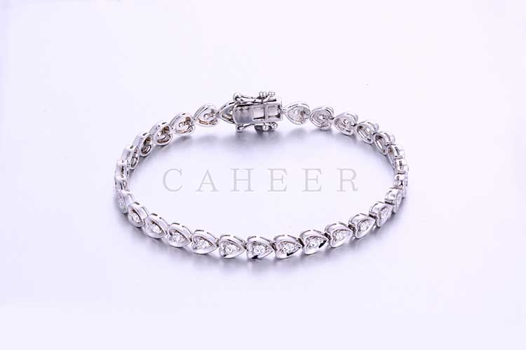 Wedding Gift Simple Designed Heart Shape Silver Bracelet CA0003HB