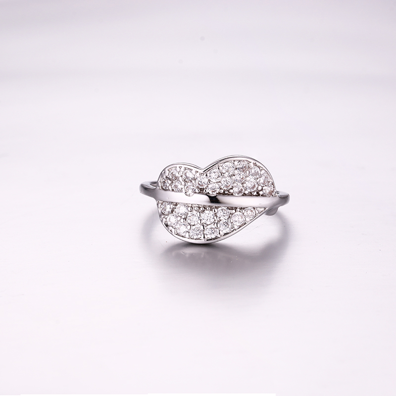 Luxurious Lips Ring K0292R