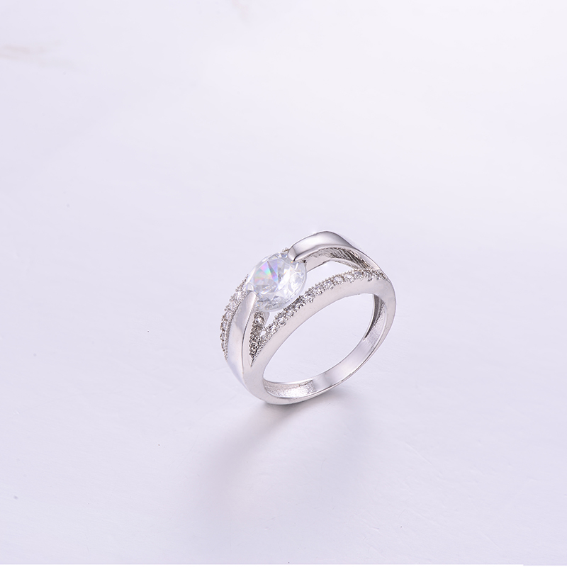 Luxurious Round CZ Ring K0296R